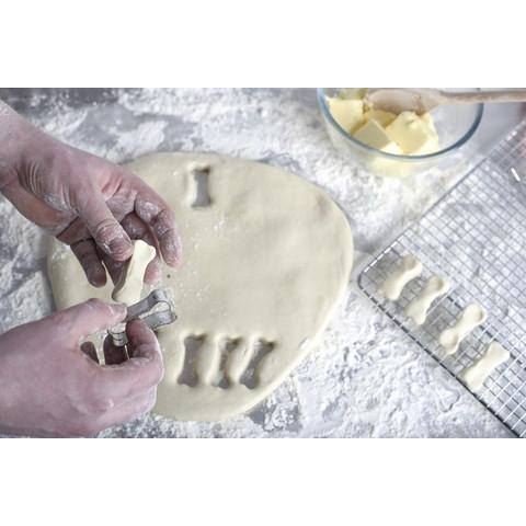 Pet Bakery Sunday Roast Bones Shortbread Dog Treats 240g