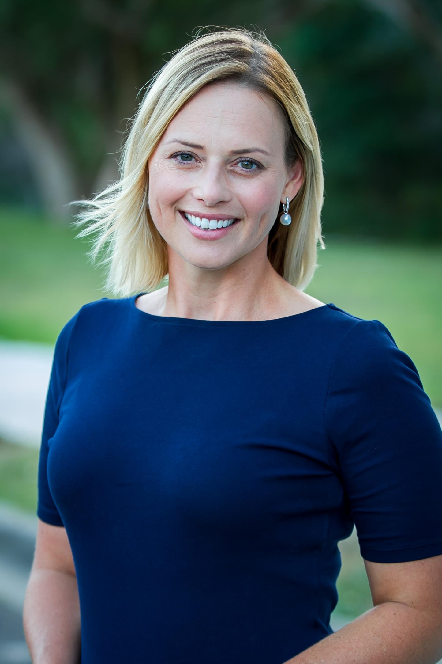 Dr Danielle Bernal