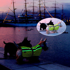 Pet Life Flecta Vizlite Glow In The Dark Dog Coat 18 Inch